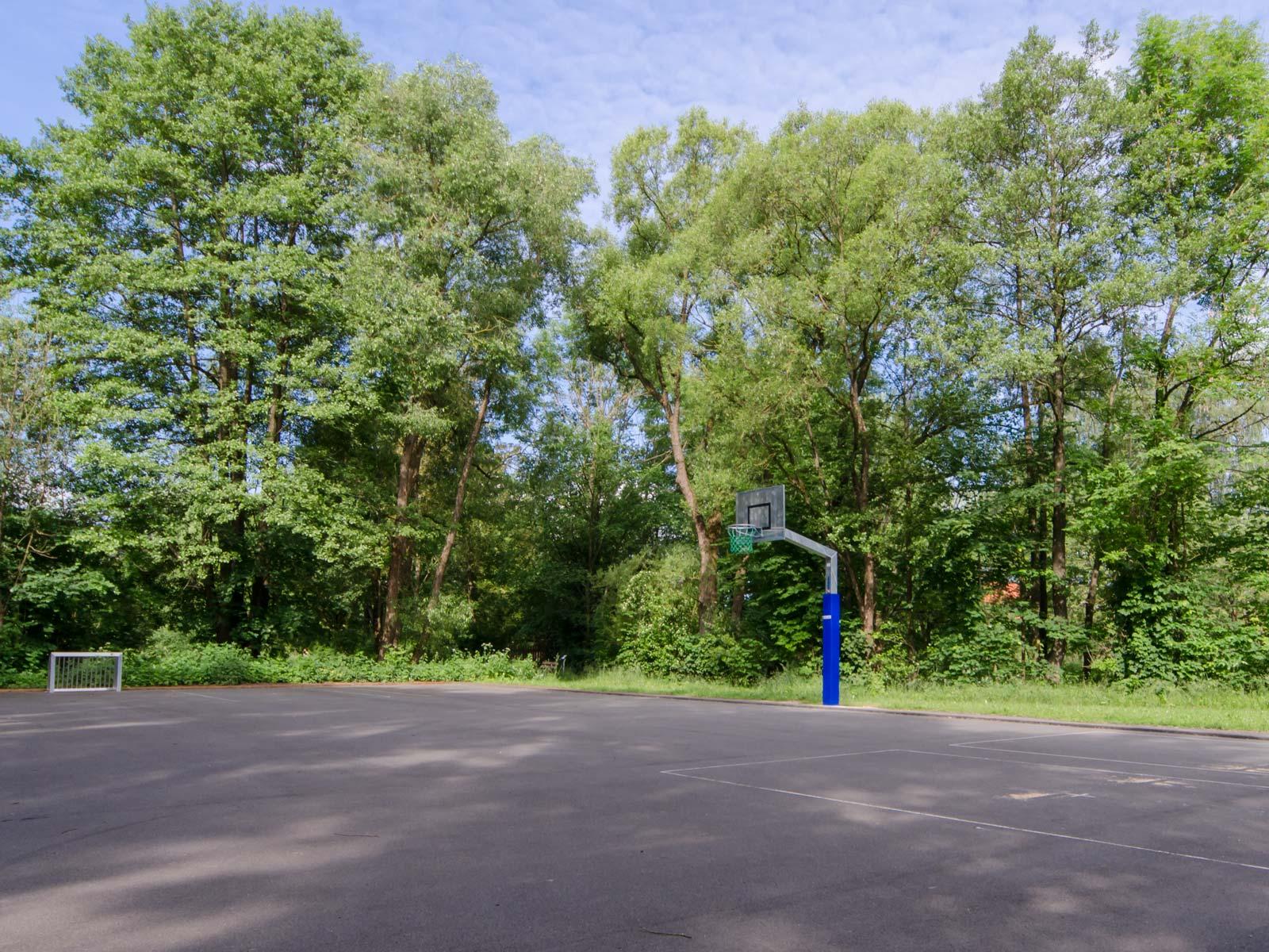 Basketballplatz neben unserem Sportplatz in Bayreuth - ASV Laineck